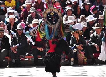 Tibetan Opera is also being called as the living fossil of Tibet culture.