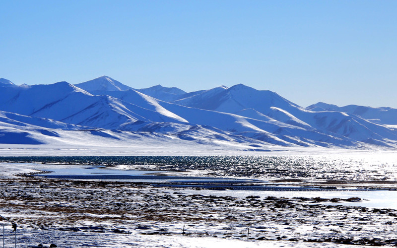 You can view the amazing winter scenery in Tibet from November to January.