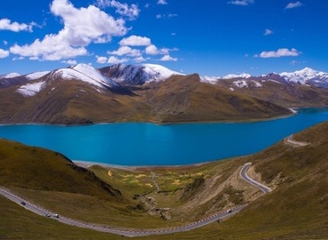 Yamdrok Lake, with the stunning view, is one of the holy lakes in Tibet