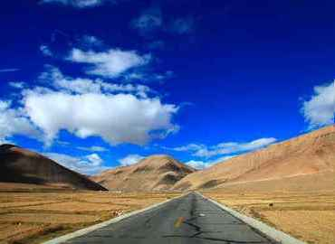 Lhasa to Kathmandu Overland Tour is one of the favorites of all traveler who want to visit Tibet and Nepal.
