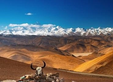 You will view amazing scenery along the way from Lhasa to Kathmandu.