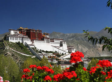 April is one of the best time to visit Tibet.