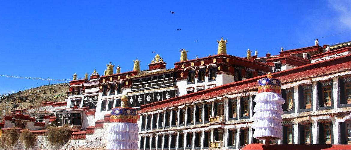 Ganden Manastery is the original monastery of Gelugpa, which is the biggest sect of Tibetan Buddhism.