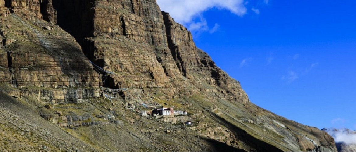 Qugu Monastery is a little temple at the foot of Mt.Kailash.